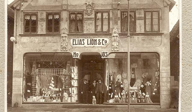 Geschäft Elias Lion